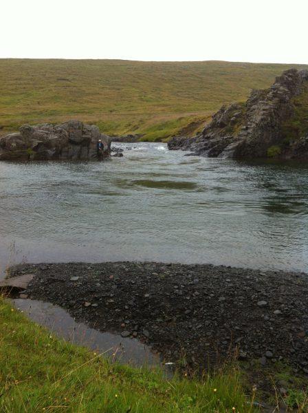 Sibbi fishing the Sírus pool